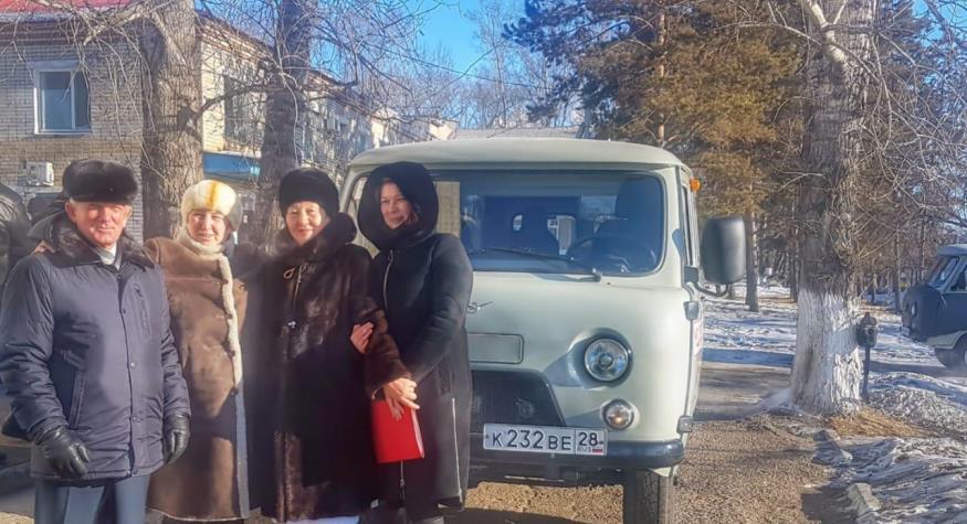 Новый санитарный автомобиль предприятие Тамбовского района передало сельской амбулатории