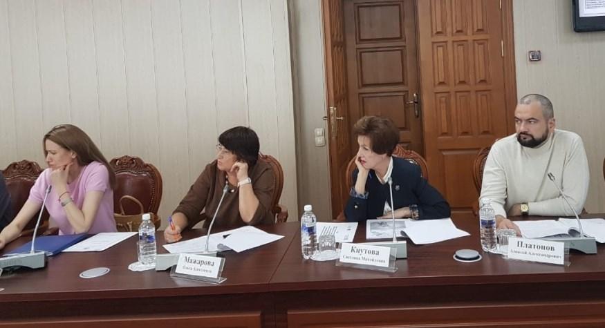 Общественный совет изучал вопросы оказания скорой медицинской помощи и создания цифрового контура в здравоохранении региона