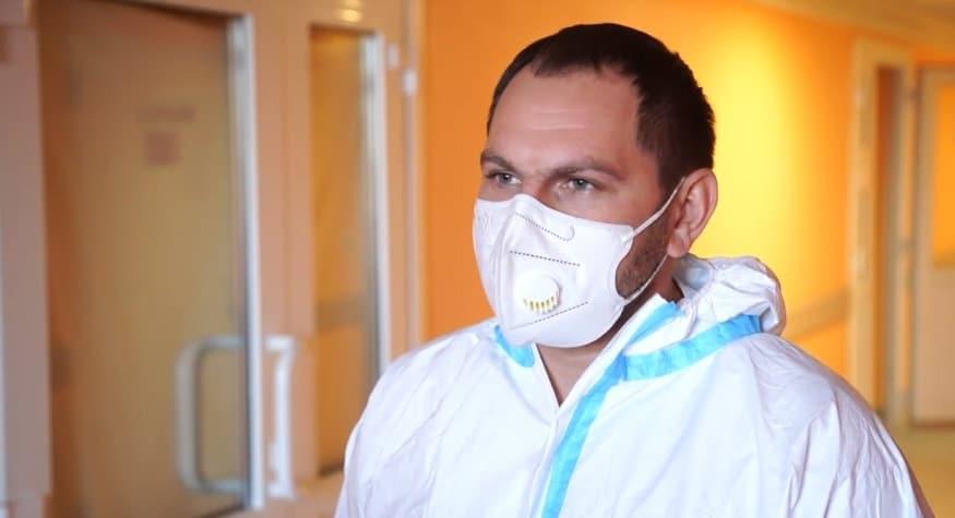 В инфекционном госпитале БГКБ провели экстренную высокотехнологичную операцию пациенту с инфарктом миокарда